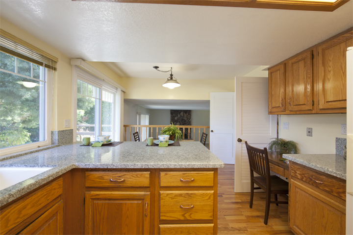 Kitchen (C) - 6502 Mcabee Rd