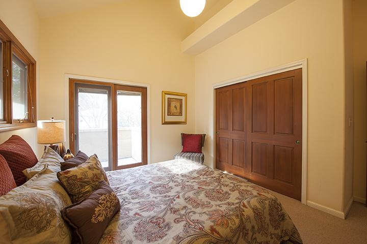 Bedroom 3 (B) - 90 Walnut Ave