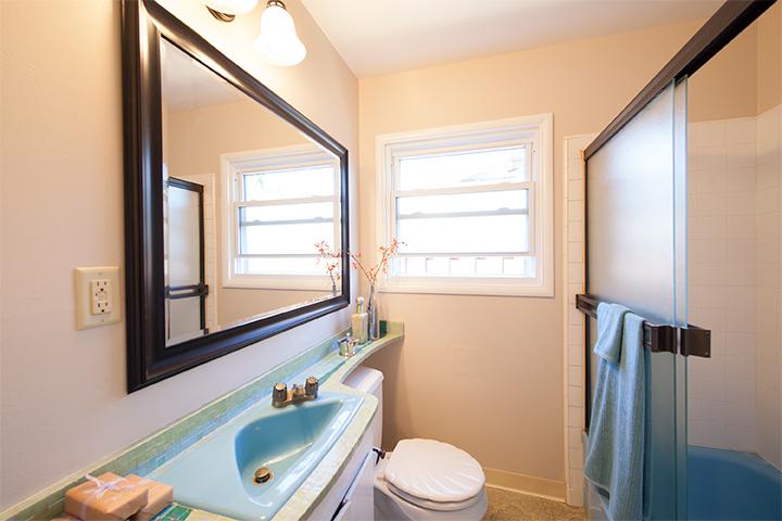 Bath Room (A)
