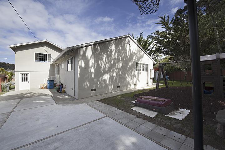 Backyard (A) - 140 Daley Ct