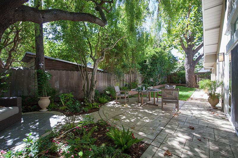 Backyard (B) - 561 Hilbar Ln