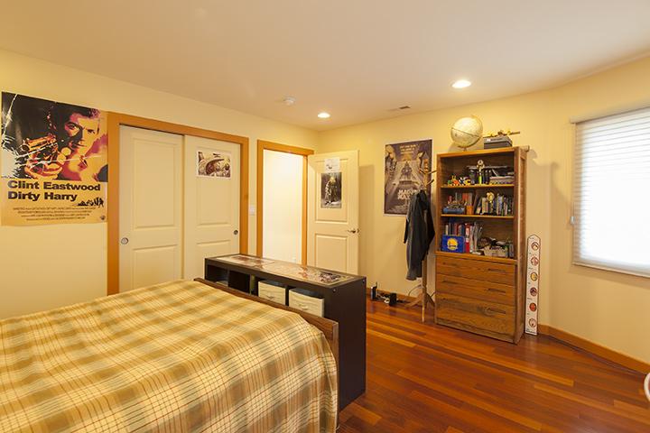 Bedroom 3 (B) - 1806 Mark Twain St