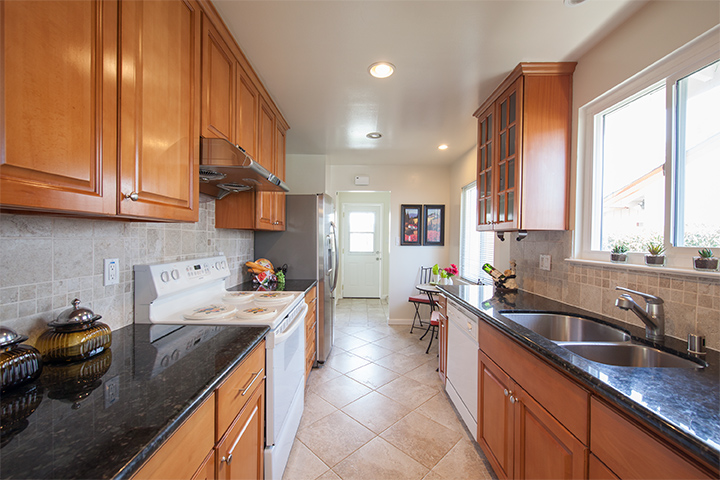 Kitchen (A) - 4897 Miramar Ave