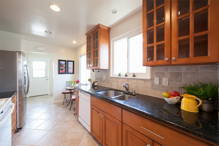 Kitchen (B) - 4897 Miramar Ave