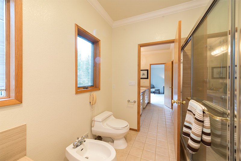 Master Bath (C) - 1705 Orr Ct