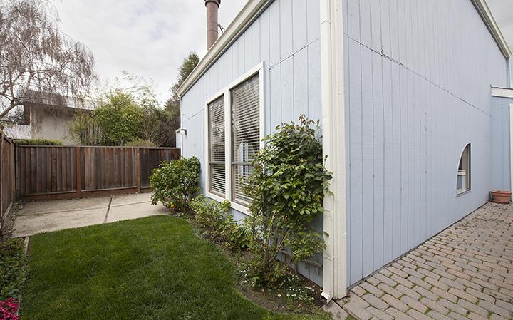 Backyard (A) - 221 Rengstorff Ave 19