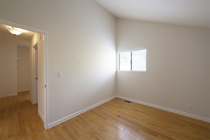 Bedroom 2 (A) - 221 Rengstorff Ave 19