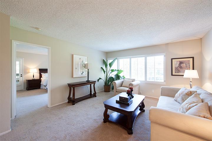 Living Room (B) - 2140 Santa Cruz Ave E110