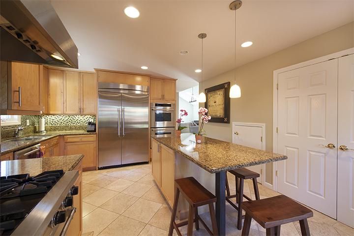Kitchen (C) - 239 Sequoia Ave