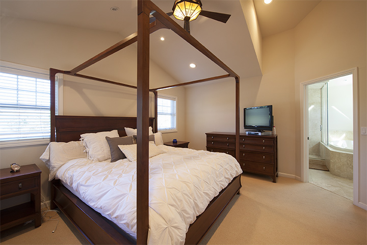 Master Bedroom (A) - 239 Sequoia Ave