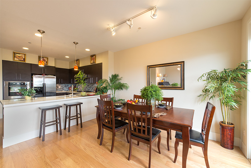 Dining Area (B) - 885 Altaire Walk