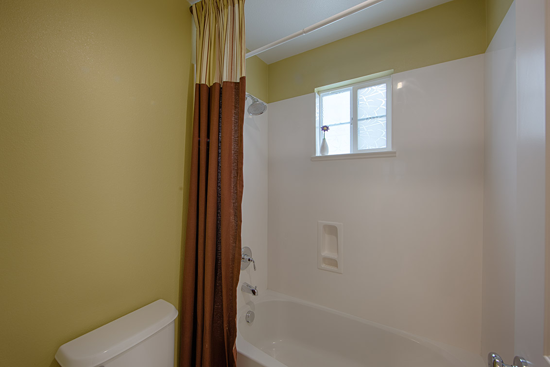 Bathroom 3 (B) - 40207 Antigua Rose Ter
