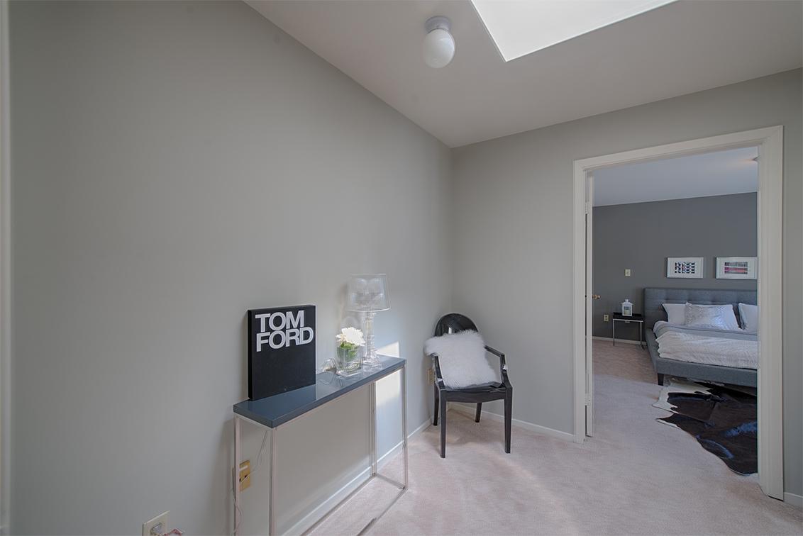 Dressing Room (A)
