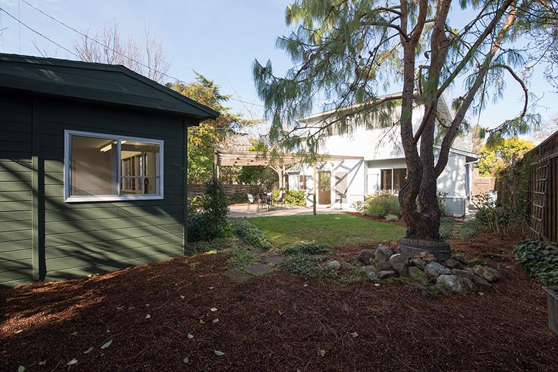 Backyard (C) - 3320 Bryant St