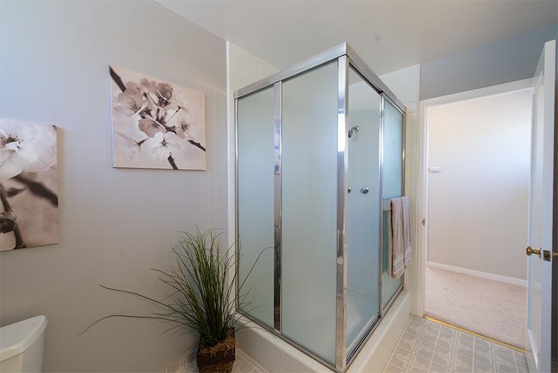 Bathroom 1 (B)