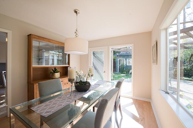 Living Room - 3320 Bryant St