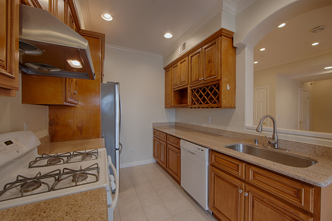 Kitchen (A) - 1755 California Dr 11