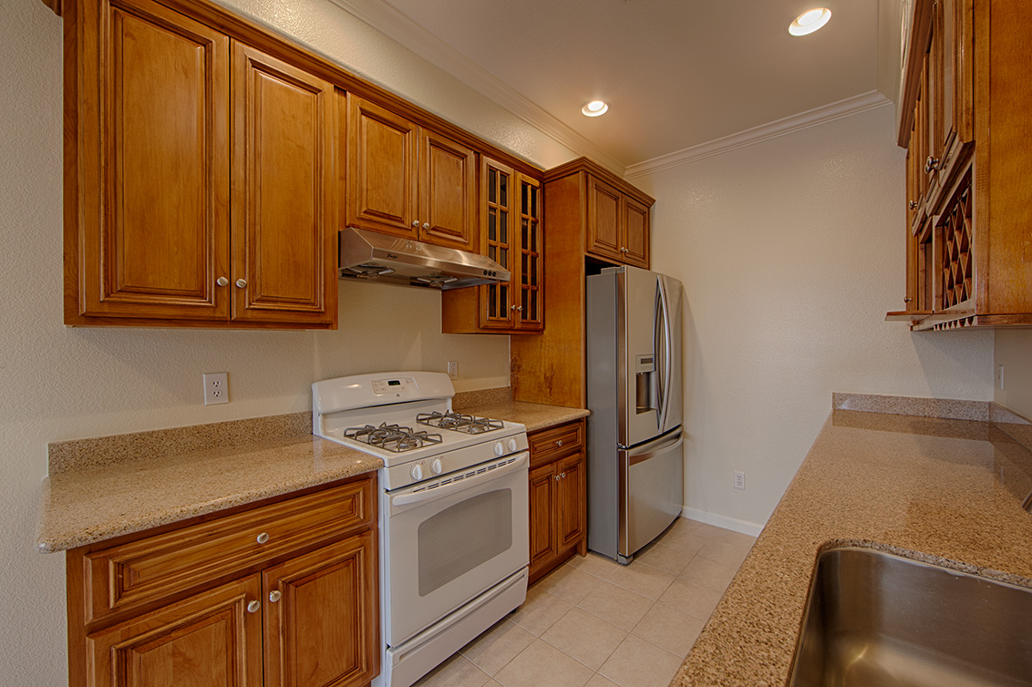 Kitchen (B) - 1755 California Dr 11