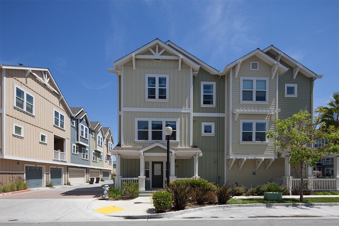 1911 Cambridge Dr, Mountain View 94043