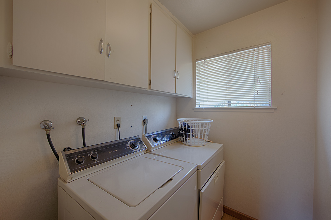 Laundry Room (A)
