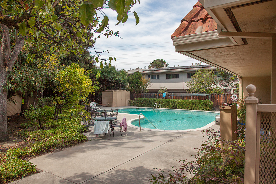 Swimming Pool (A) - 1354 Dale Ave 13