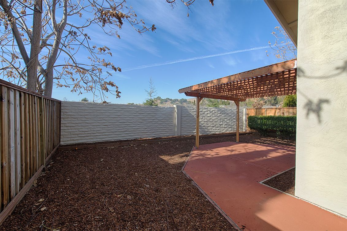 Backyard (A) - 37851 Essanay Pl