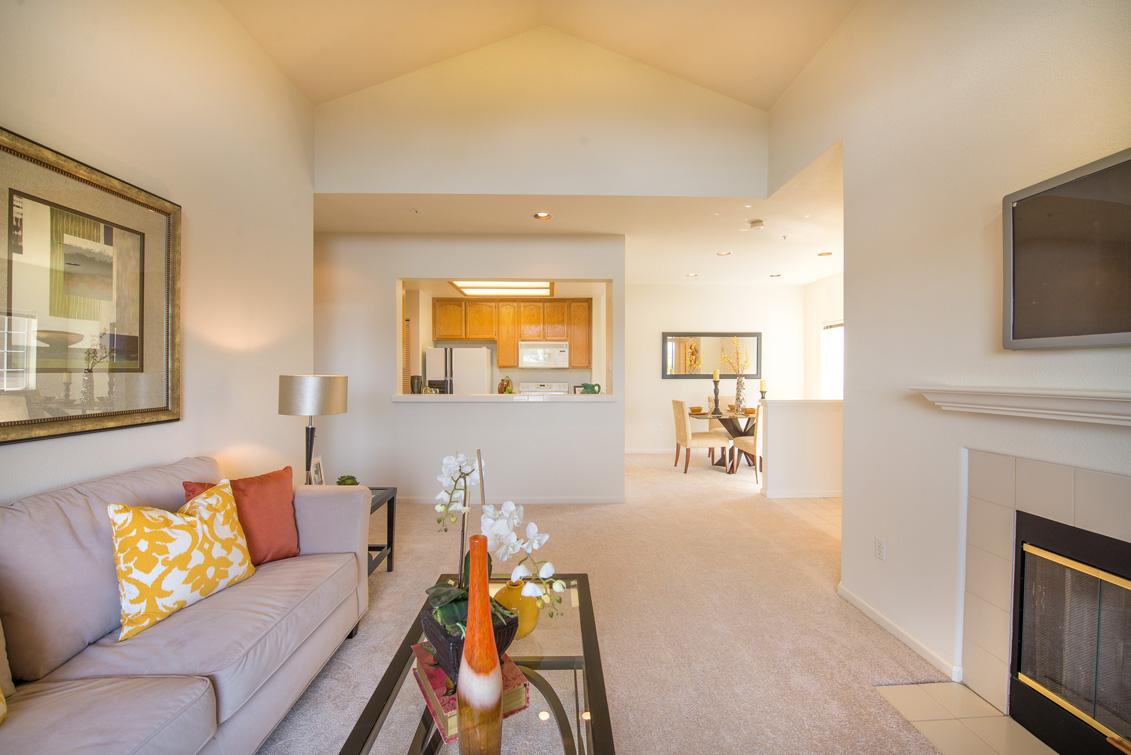 Living Room (D) - 2111 Hastings Shore Ln