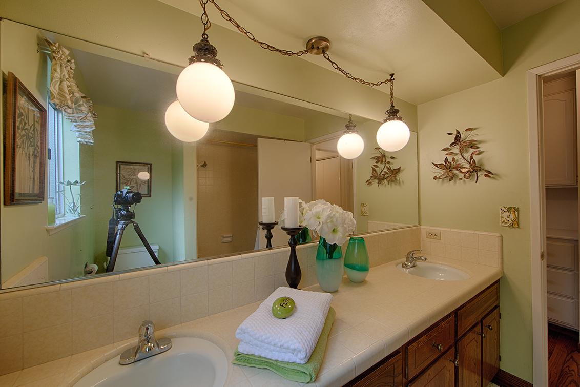 Bathroom 2 (B) - 20802 Hillmoor Dr