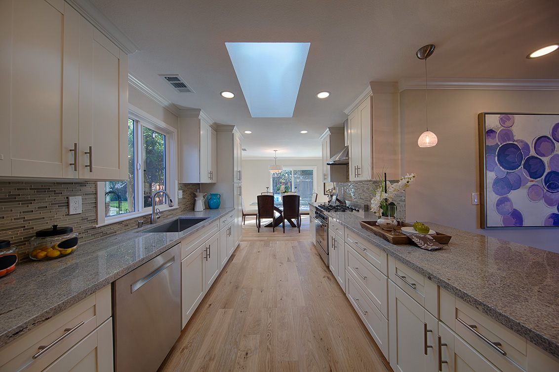 Kitchen (C)