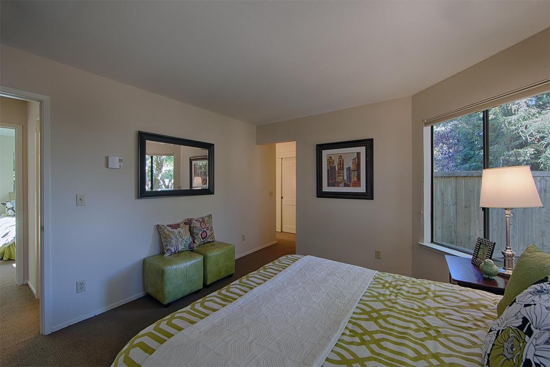 Master Bedroom (B) - 620 Mariposa Ave 3