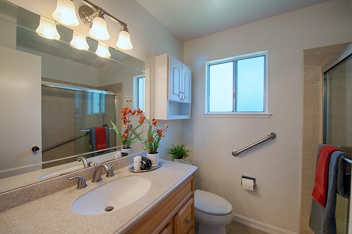 Bathroom 2 (A) - 8077 Park Villa Cir