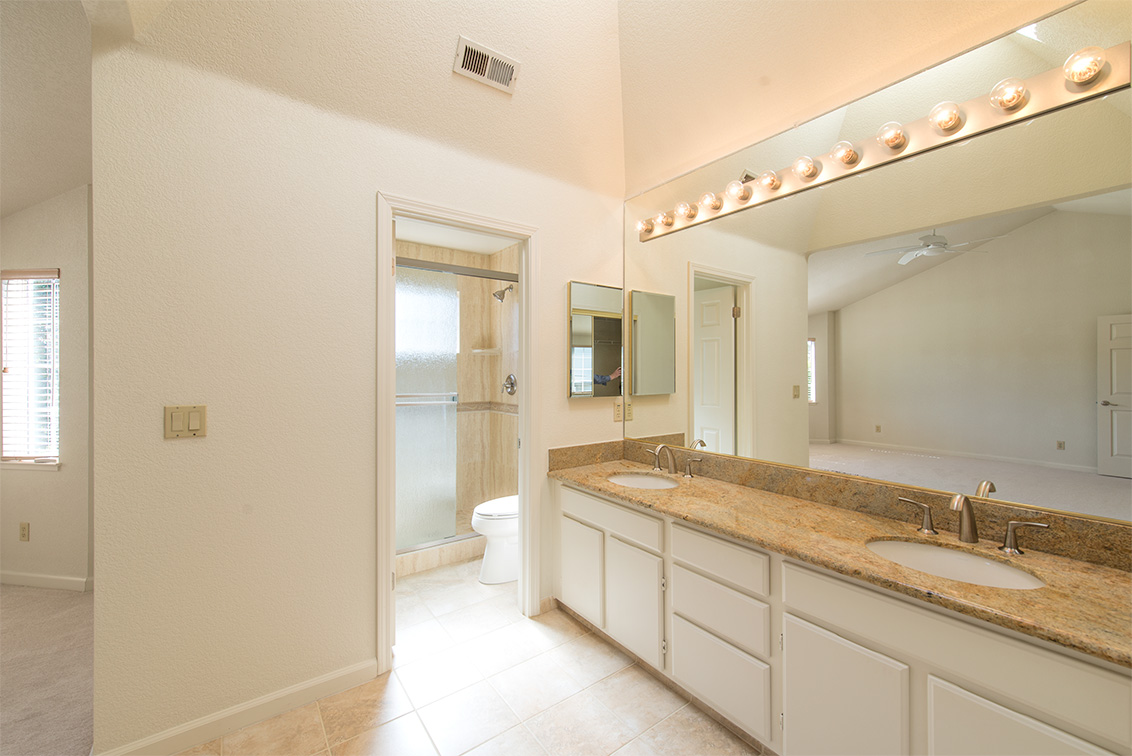 Master Bath (A) - 1816 Park Vista Cir