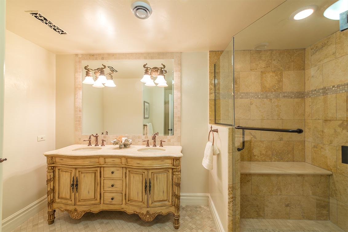 Bathroom 3 (D)