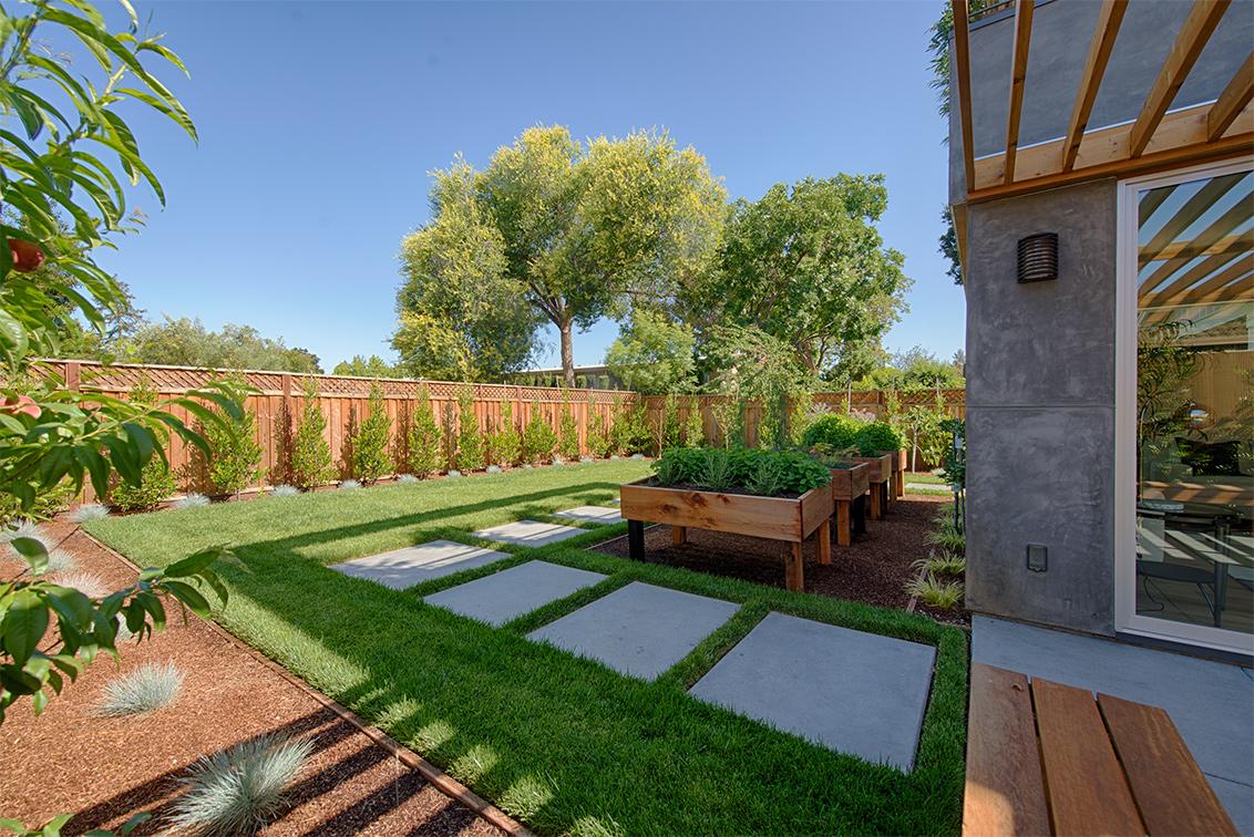 Backyard (B) - 462 Pettis Ave