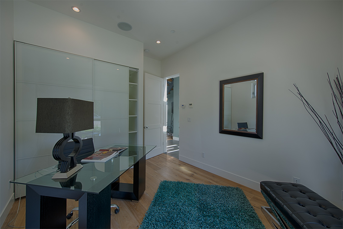 Living Room - 462 Pettis Ave
