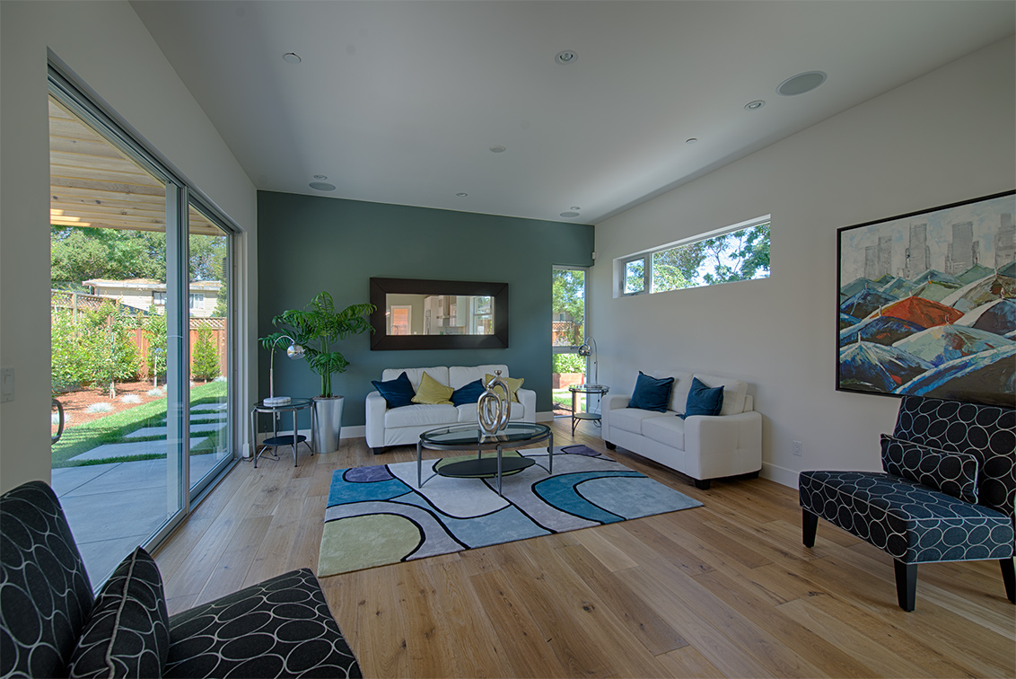 Family Room (A) - 462 Pettis Ave