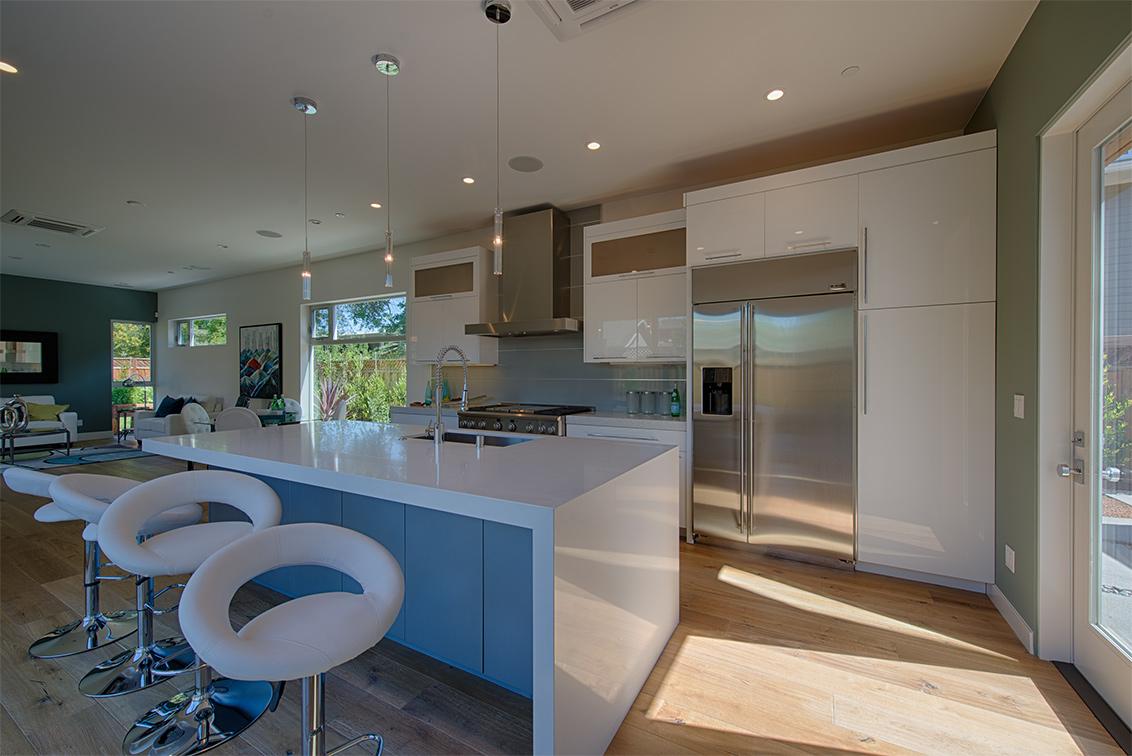 Kitchen (A) - 462 Pettis Ave