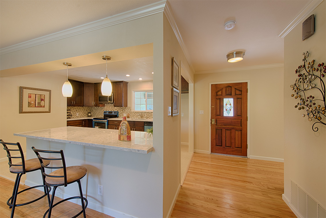 Living Room - 5589 Portsmouth Ave