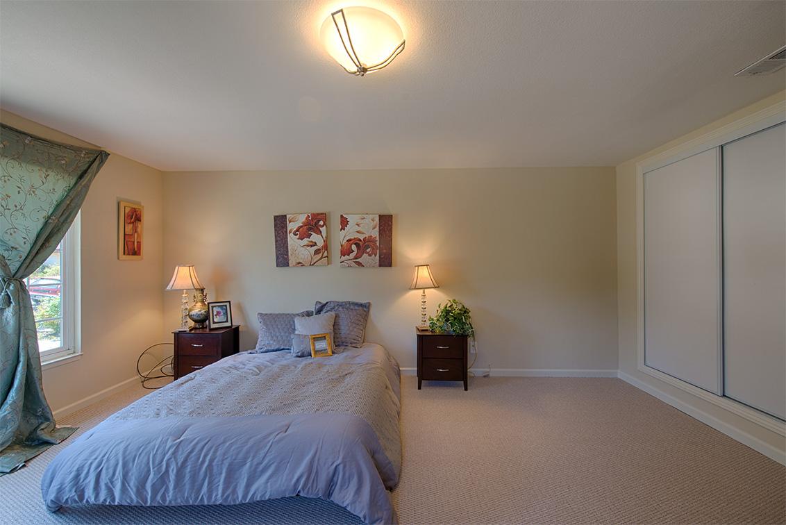 Master Bedroom (C) - 5589 Portsmouth Ave