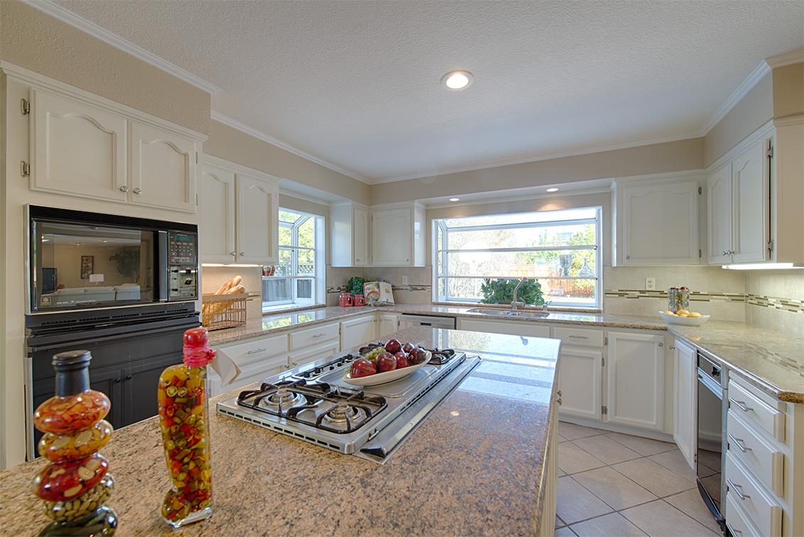 Kitchen (D) - 22149 Rae Ln