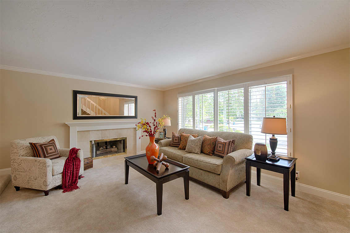 Living Room picture - 10385 Rivercrest Ct, Cupertino 95014