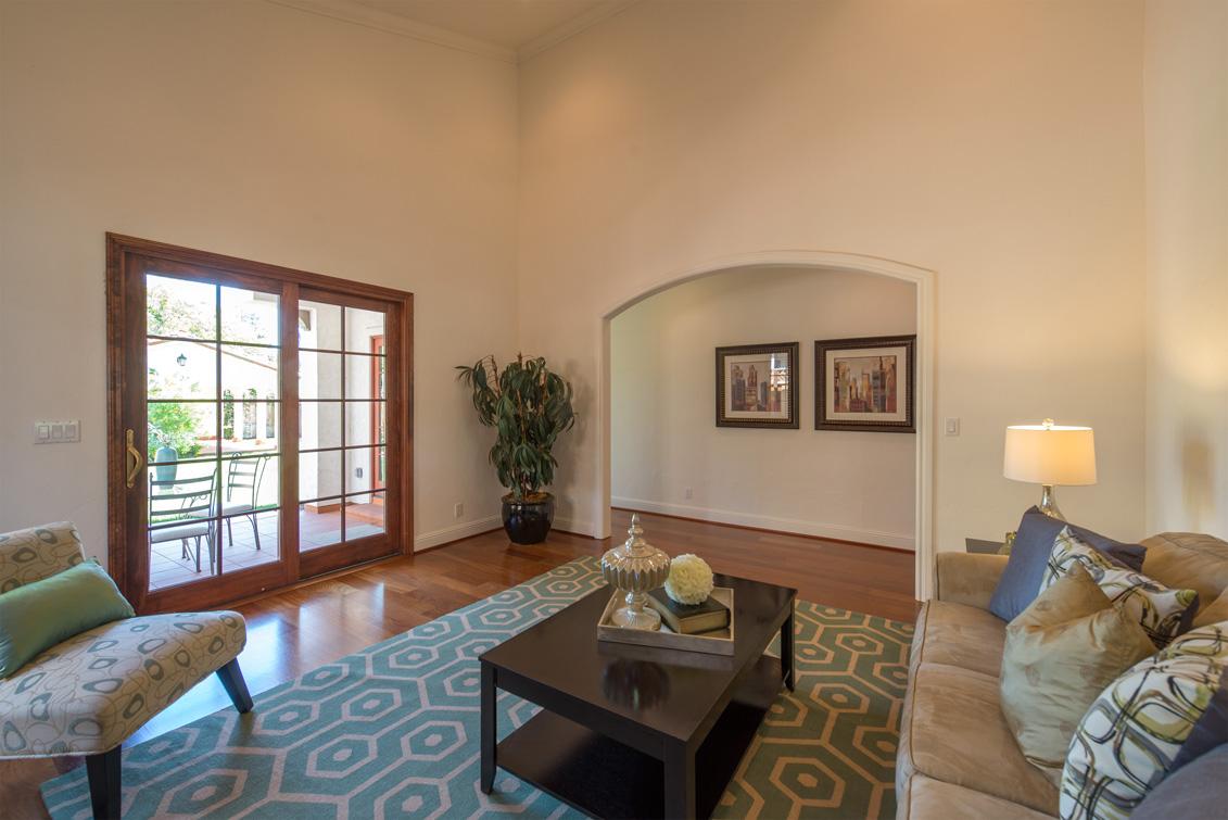 Family Room (D) - 470 Ruthven Ave