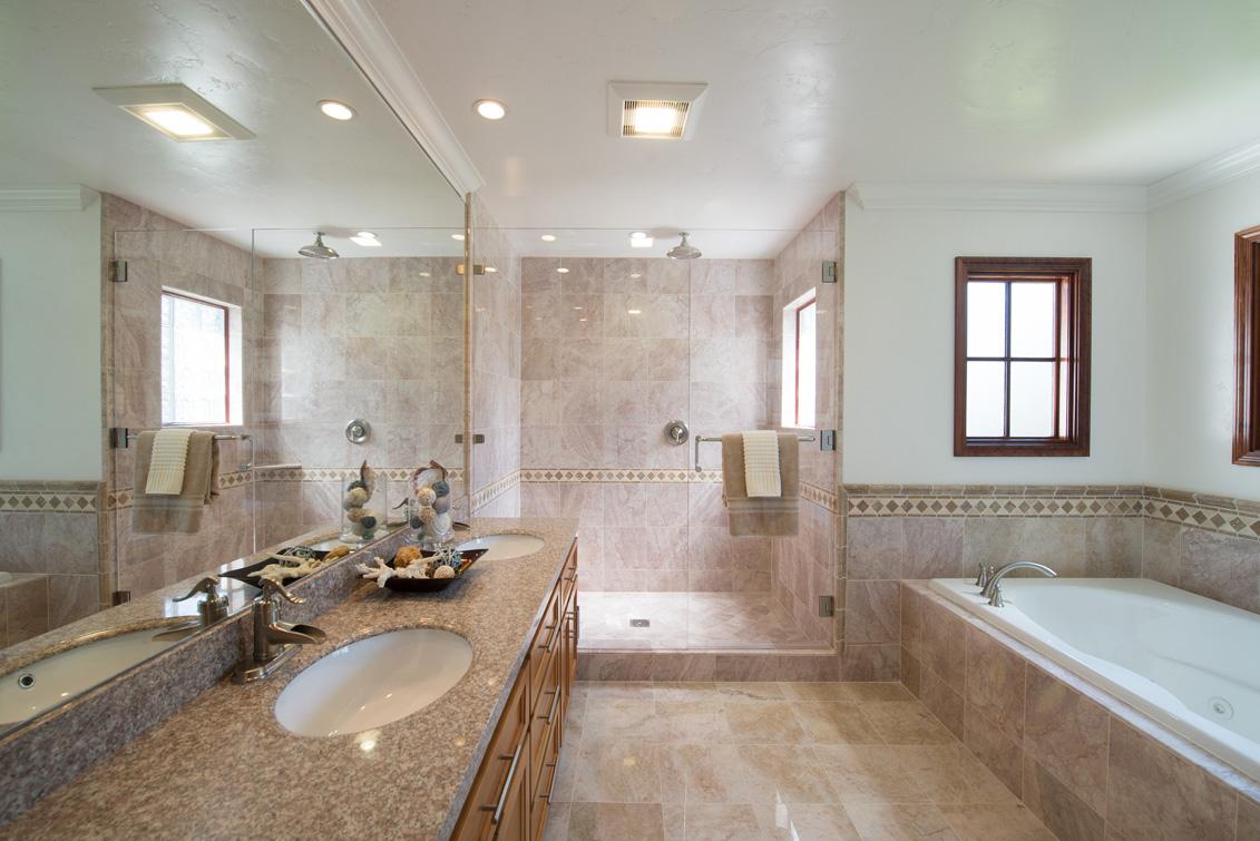 Master Bath (A) - 470 Ruthven Ave