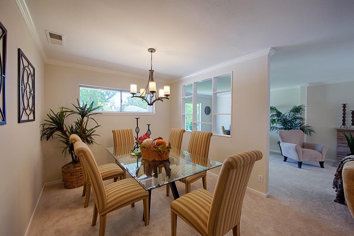 Dining Room (B) - 3010 South Ct