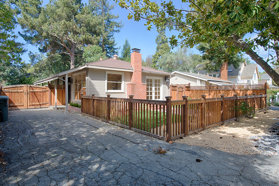 47 Walnut Ave, Atherton CA 94027