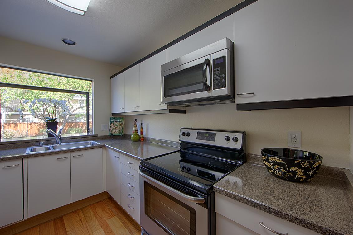 Kitchen (A) - 181 Ada Ave 36