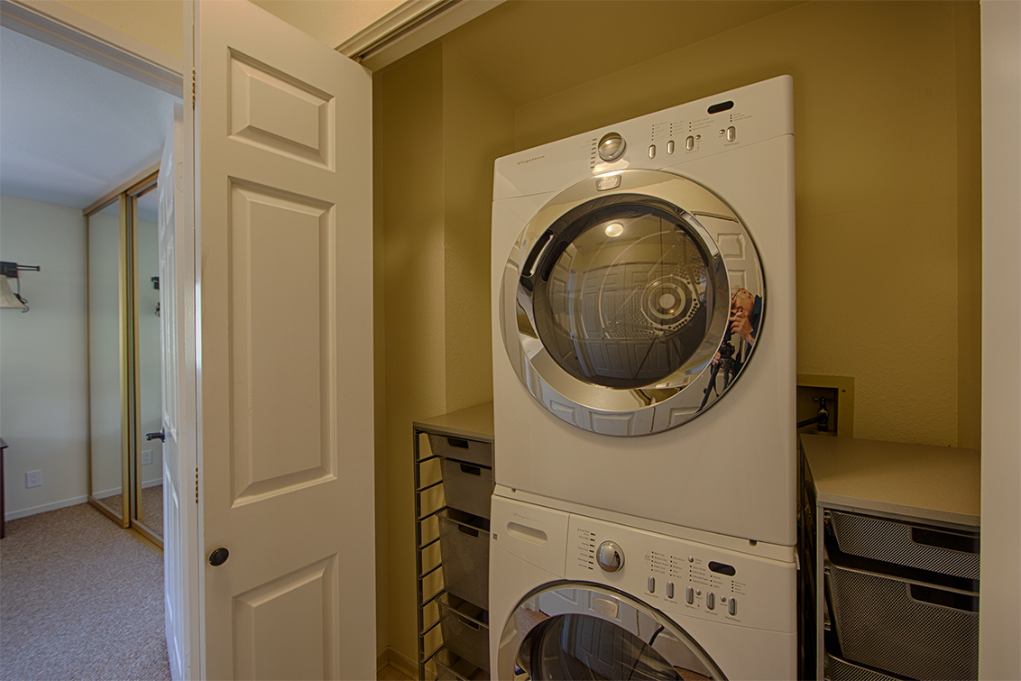 Laundry (A) - 181 Ada Ave 36