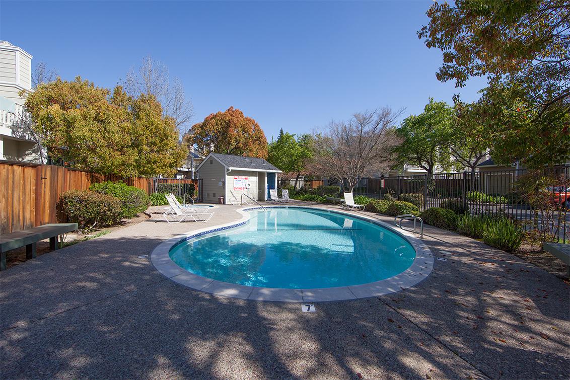 Pool (B) - 181 Ada Ave 36