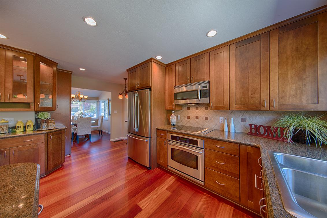 Kitchen (E) - 995 Aster Ave