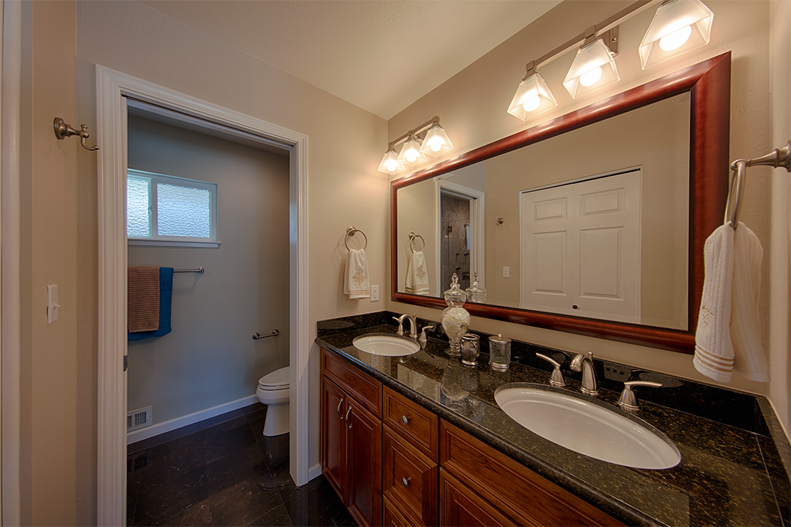 Master Bath (A) - 995 Aster Ave